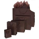 Lackpapier-Tragetasche<br/>120 x 70 x 160 mm<br/>schokolade