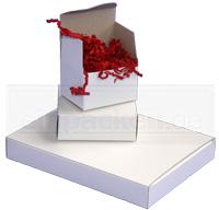 Weiße Kartons aus Vollpappe